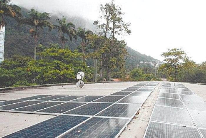 aplicativo-mede-a-geracao-de-energia-solar-de-telhados-no-rio