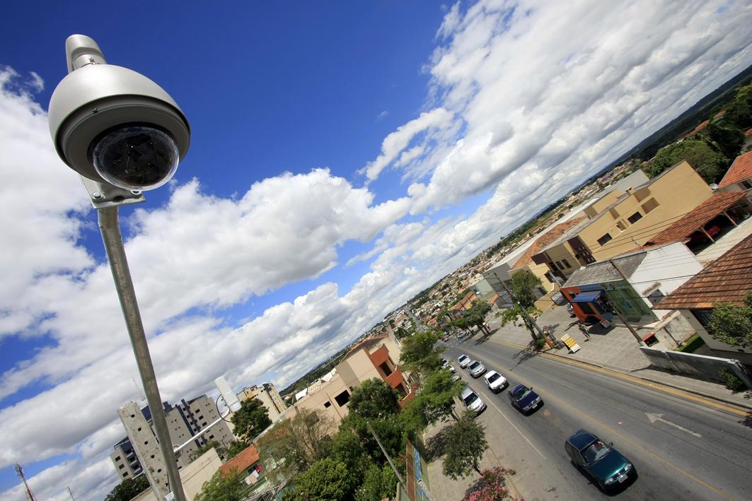 Município quer usar câmeras de prédios para monitorar ruas